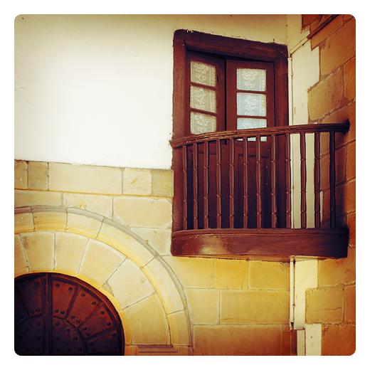 Torrelavega - pulpito exterior