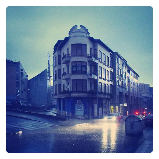 Torrelavega - edificio en esquina