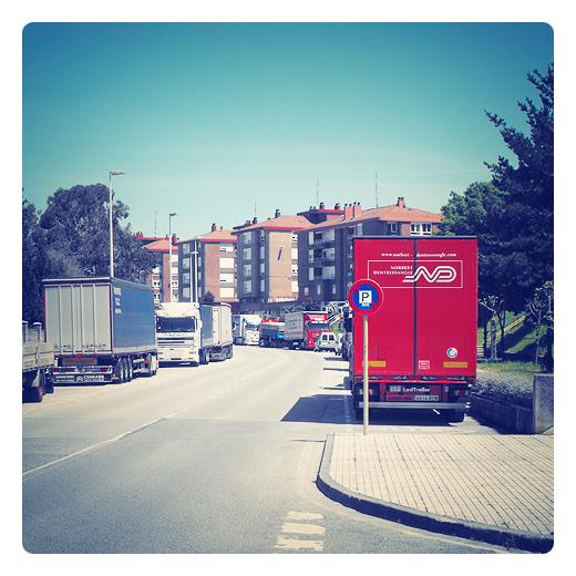 Torrelavega - aparcamiento camiones