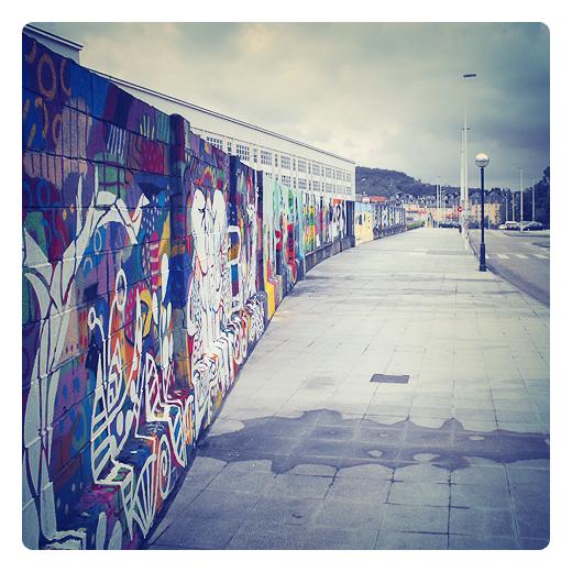 expresion plastica, murales en la pared, educacion artistica, pintura y colores en Torrelavega