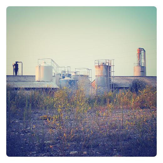 silos torre, almacenamiento materiales, depositos, cilindro, flores, construccion metalica, industria, usos industriales en Torrelavega