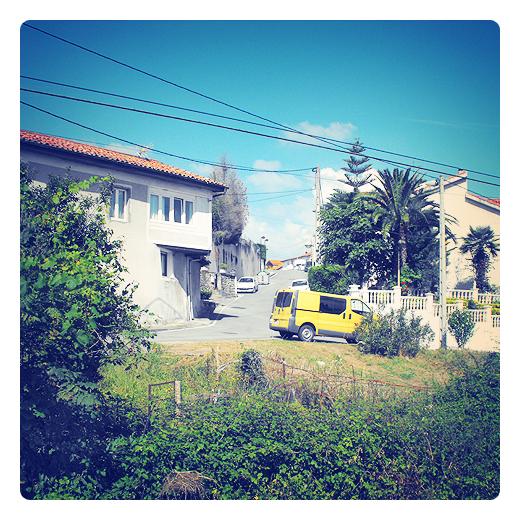 Alto de Torres, localizacion, punto geografico, comunidad, referencia, carretera empinada, extrarradio, zarzas, red de distribucion, periferia de Torrelavega