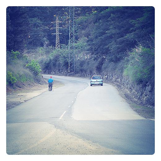 parches de asfalto, mezcla asfaltica, firme, pavimento, carretera local, obras publicas, infraestructuras de transporte, servicio publico, chapuzas en Torrelavega