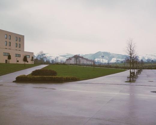 campus, Universidad de Cantabria en Torrelavega, Escuela Politecnica de Ingenieria de Minas y Energia, Escuela Universitaria de Fisioterapia Gimbernat-Cantabria, ola de frio y nieve, fotografia de Torrelavega