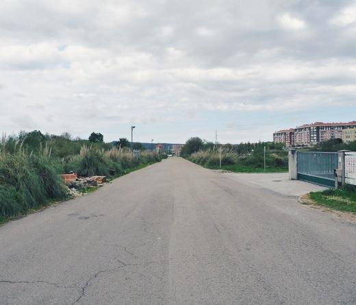 basura, punto limpio, abandono, foco de contaminacion, incivismo, periferia, extrarradio, fotografia de Torrelavega