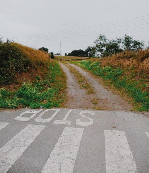 frontera, limite, fin zona urbana, rodadas camino, paso de peatones, Stop, señalizacion horizontal, fotografia de Torrelavega