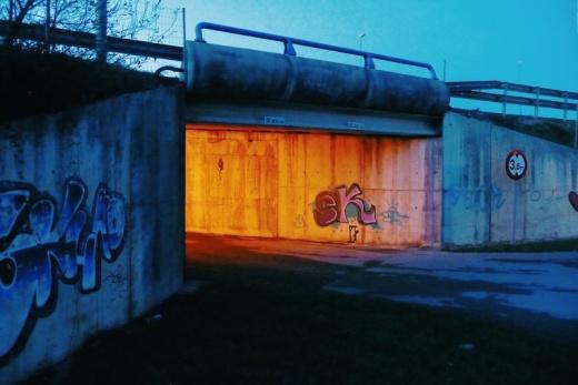 luz, iluminacion artificial, puente, paso inferior, autovia, Viernoles, fotografia de Torrelavega