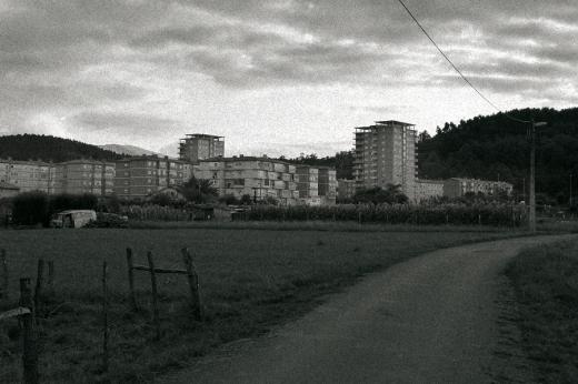 ciudad satélite, periferia, suburbios, extrarradio, Barrio Covadonga